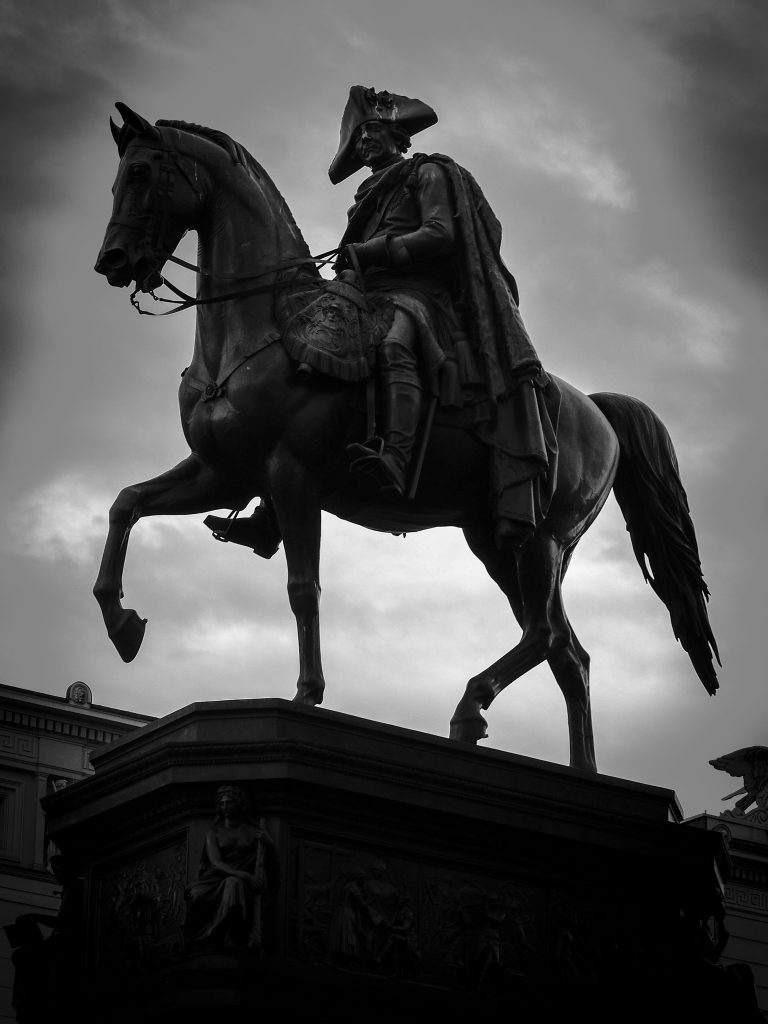 Photography_Monument_bw